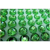 Self-adhesive crystals 4 mm green - 0019 Emb